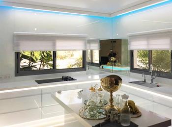 Больше света и пространства с интерьерами из стекла от Rosso Glass