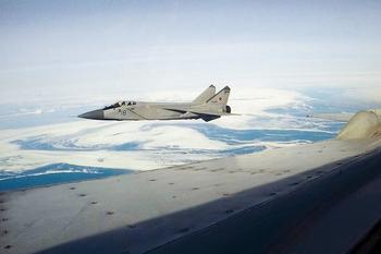 Инцидент: российский истребитель опасно приближается к израильскому самолету