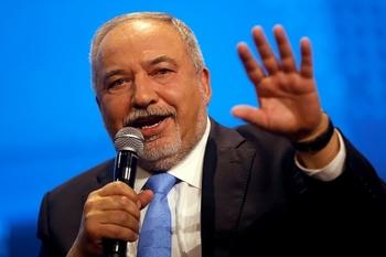 Глава МИД Израиля обвинил Либермана «в попытке уничтожения» Нетаниягу