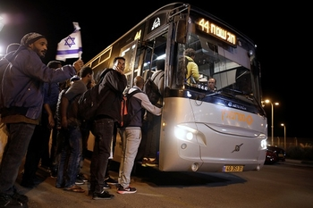 Бесплатные субботние автобусы начинают работу в Тель-Авиве