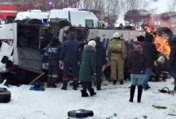 Автобус упал с моста в Забайкалье, 19 человек погибли