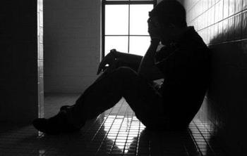 Минздрав назвал страшное число ежегодных самоубийств в Израиле