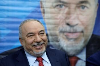 Либерман пообещал обойтись без коалиции с арабской партией
