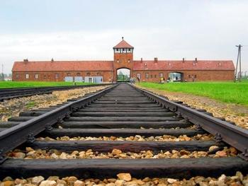 ФСБ рассекретило документы об освобождении Освенцима