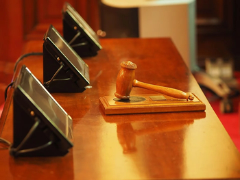 Служба судебных приставов простила 1.6 млн шекелей 76-летнему пенсионеру