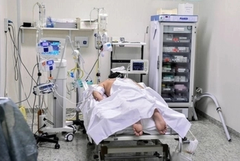 Пациент столичной больницы умер от коронавируса. Всего 13 смертей