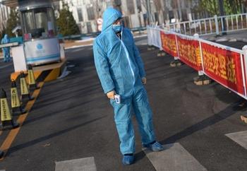 Служба тыла бьет тревогу: инфицированные ортодоксы отказываются уезжать из Бней-Брака