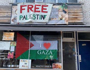 Канадский ресторан отказался обслуживать «сионистов»