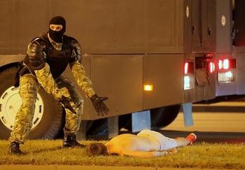 Столкновения в Минске: Лукашенко развязал войну против собственного народа