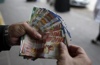 В Израиле резко выросло количество бедных, живущих на пособие Битуах Леуми