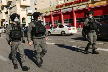 Полиция массово штрафует нарушителей условий карантина