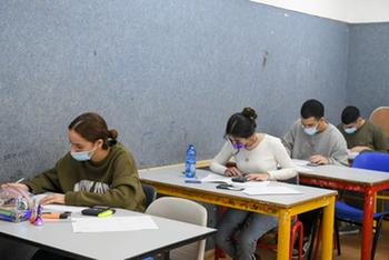 Правительство решило: учебный год в Израиле продлят до конца июля