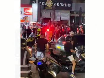 Беспорядки в Бат-Яме: толпа разгромила арабские кафе и магазины