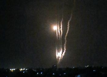 Ракетной атаке подверглись Тель-Авив и Беер-Шева, два человека погибли в Лоде