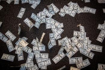 Экономисты одобряют стремление Либермана отменить выплату пособий
