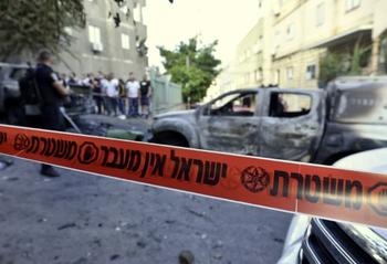 Арабы напали на полицию и сожгли 4 джипа в окрестностях Кармиэля