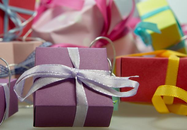 Топ-5 вариантов недорогих новогодних подарков с Aliexpress